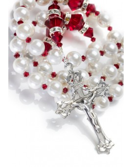 Freshwater Pearls, Siam Red Swarovski Crystals, Strass rings. Sterling Silver.