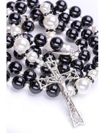 Black Onyx, Freshwater White Pearls, Sterling Silver 925 precious Crucifix and Center