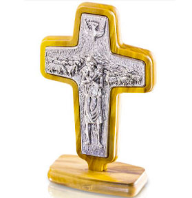 pope francis table crucifix